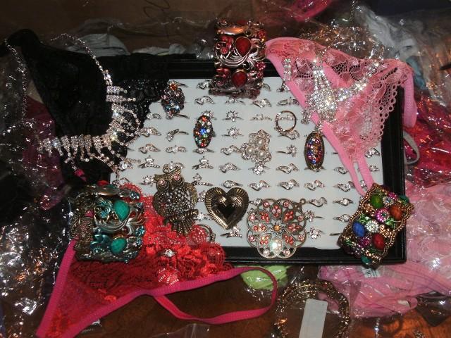prom-jewelry