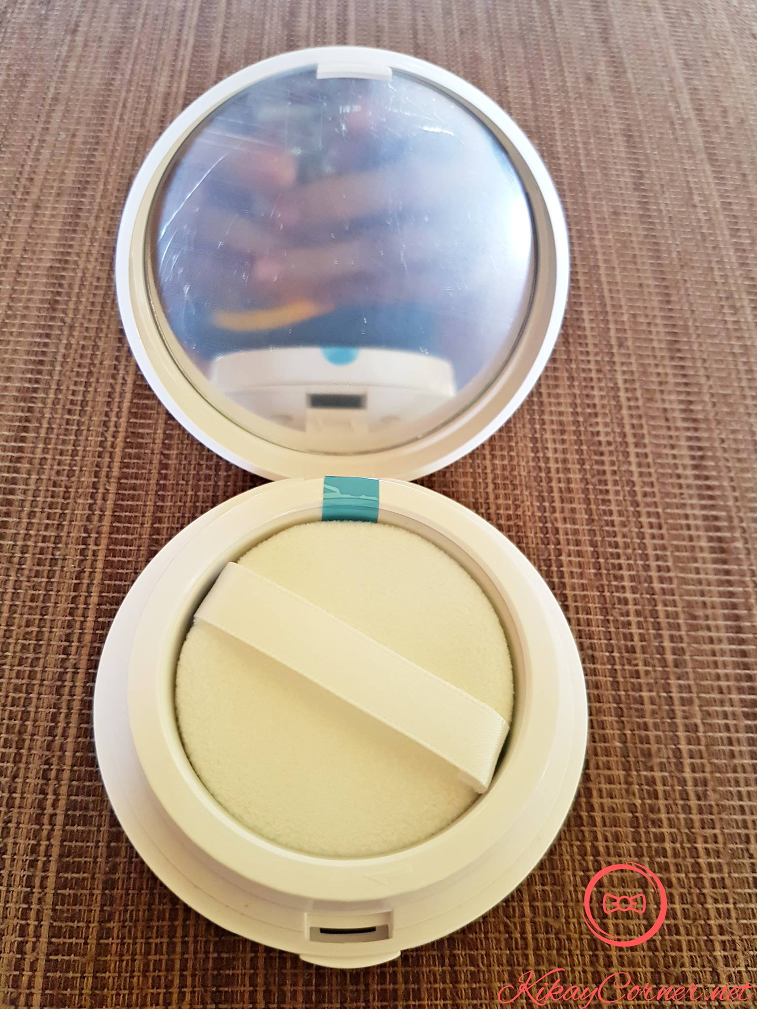 celeteque-cc-micro-hydrating-powder-puff